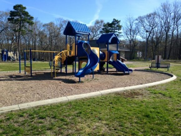80 acres park playground monmouth