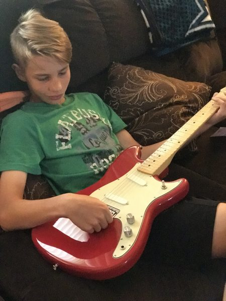 Fender PLay guitar lessons with Fender