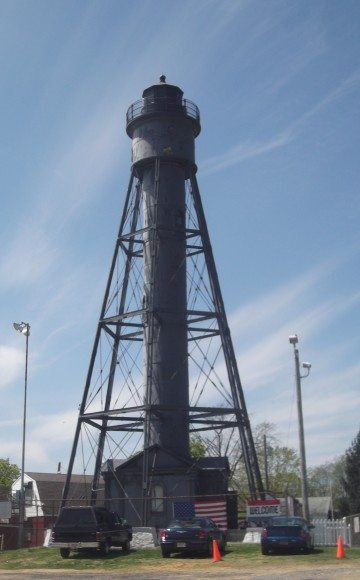 """Tinicum Rear Range Lighthouse nicknamed the """"ugly duckling"""""""