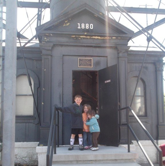 My children at the entrance of Tinicum Rear Range Lighthouse.