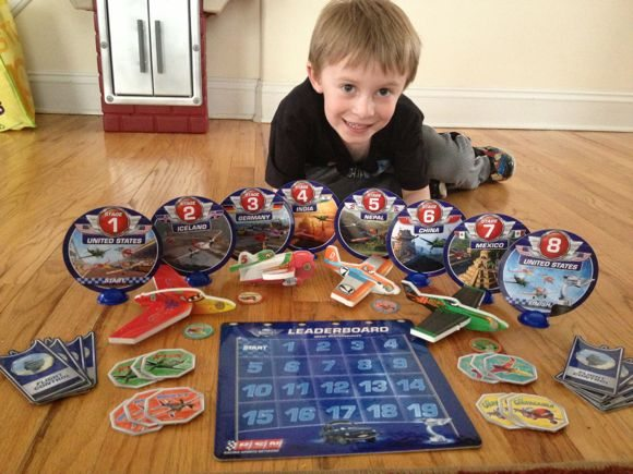 Disney Planes Sky Race Action Game comes with fun game pieces, especially the 4 foam gliders!