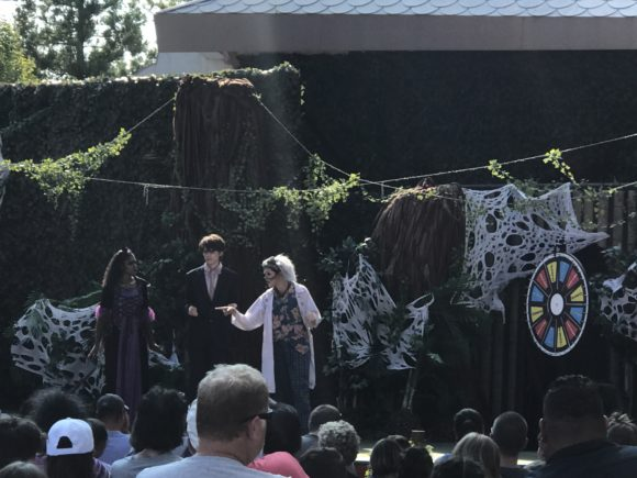 Professor Slithers Goes Wild! at Fright Fest at Six Flags Great Adventure