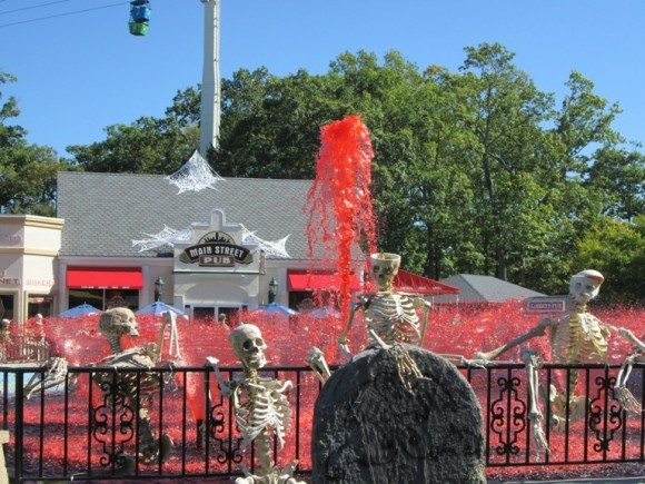 Six Flags Great Adventure Fright Fest Bloody Fountain