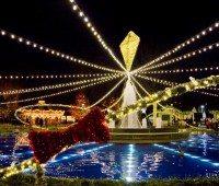 Christmas lights at Franklin Square Philadelphia Christmas Activities