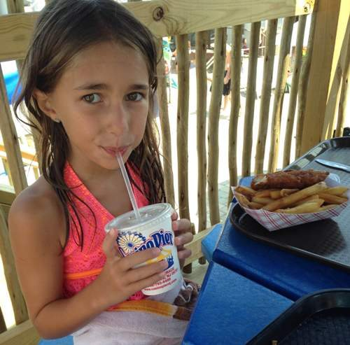 breakwater beach lunch