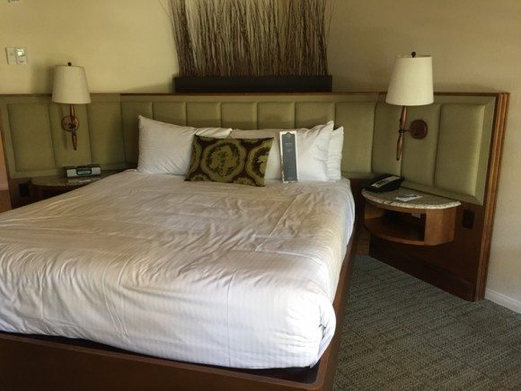 Rancho Bernardo Inn bed