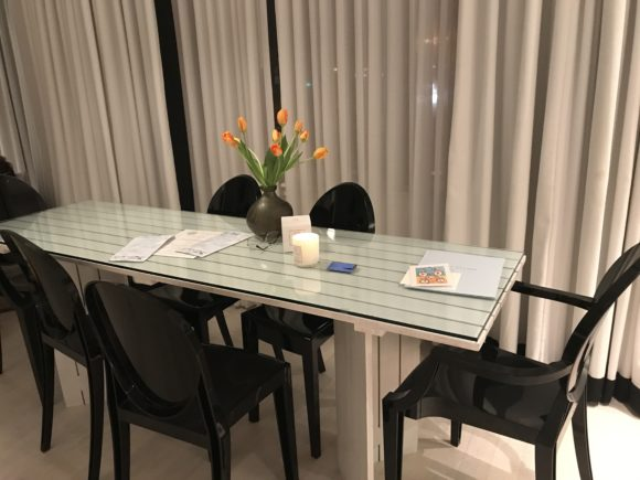 The Kahuna Suite offers a dining table for 6 for Bungalow Hotel guests in Long Branch NJ.