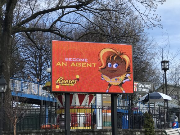 Become an agent for Commander Cup on the new Hersheypark Reeses Cupfusion.
