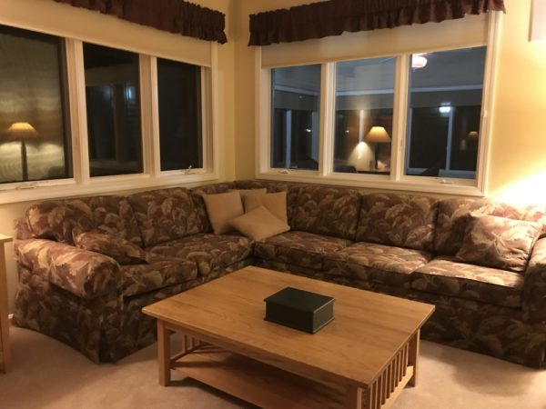 Smugglers Notch Resort Accommodations - North Hill Community Condominiums living room
