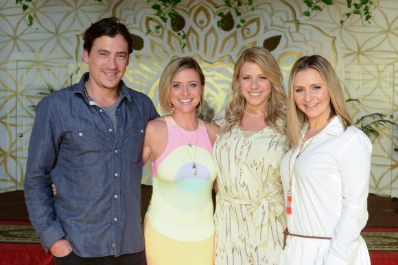 POP TV Hollywood Darlings