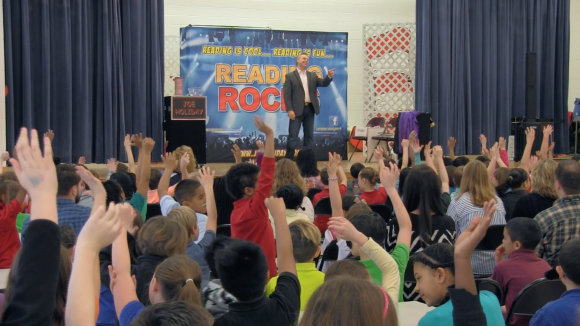 Magician Joe Holiday School Assembly Reading Rocks Magic Show 1