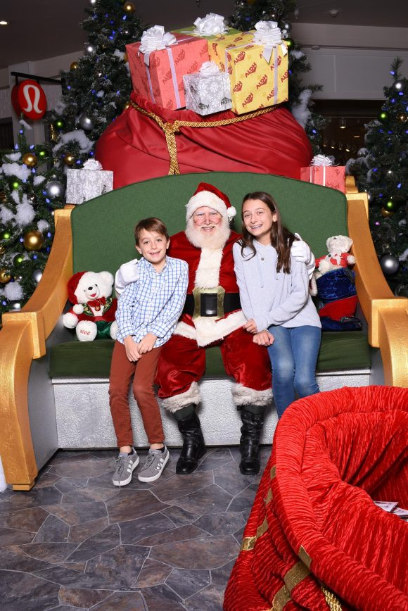 HGTV Santa photos at Freehold Raceway Mall