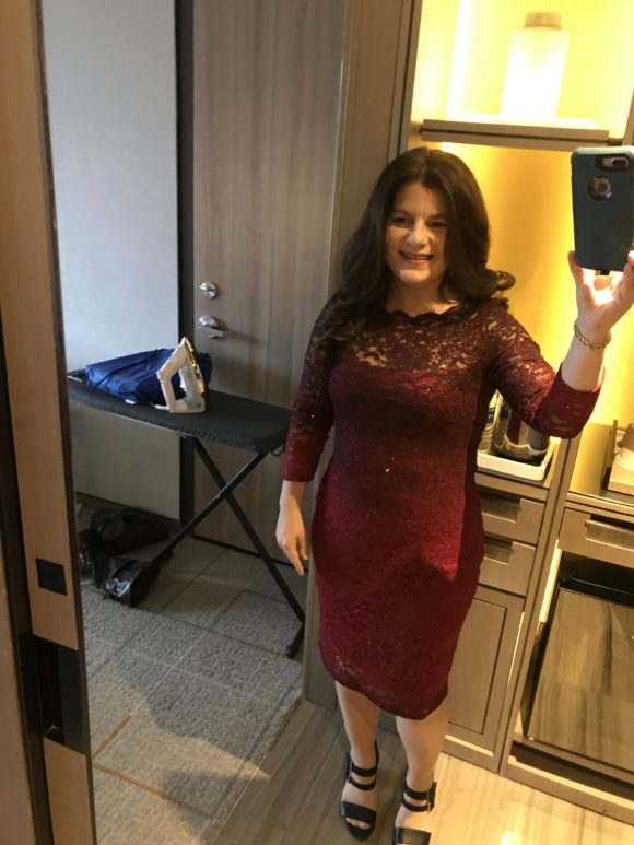 Disney blogger Jennifer Auer gets a selfie before heading out to the Mary Poppins Returns Red Carpet Experience