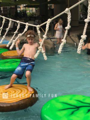 Kartrite Resort & Indoor Waterpark Later Gater Crossing