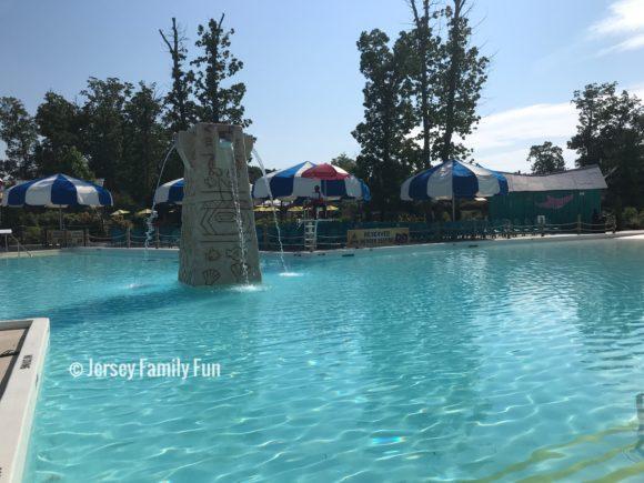 Six Flags Great Adventure Hurricane Harbor pool at Calypso Springs 1