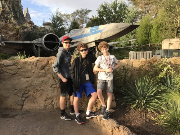 Star Wars Galaxy's Edge 00015