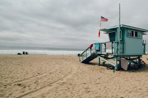 Canva-Lifeguard-House-at-Beach