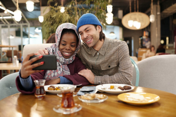 interracial couple enjoys outdoor dining in New Jersey