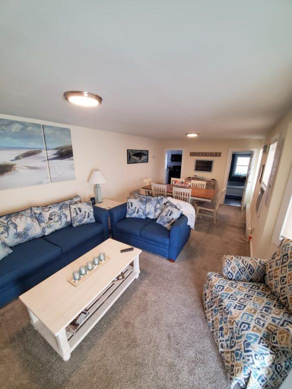 Four Bedroom Wildwood Home Rental living room