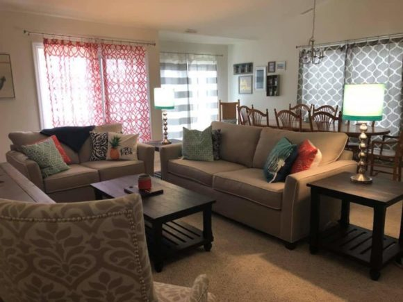 Townhouse-Rental-in-Wildwood-NJ-Bayside-living-room