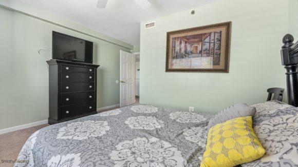 Wildwood Condo Near Beach master bedroom