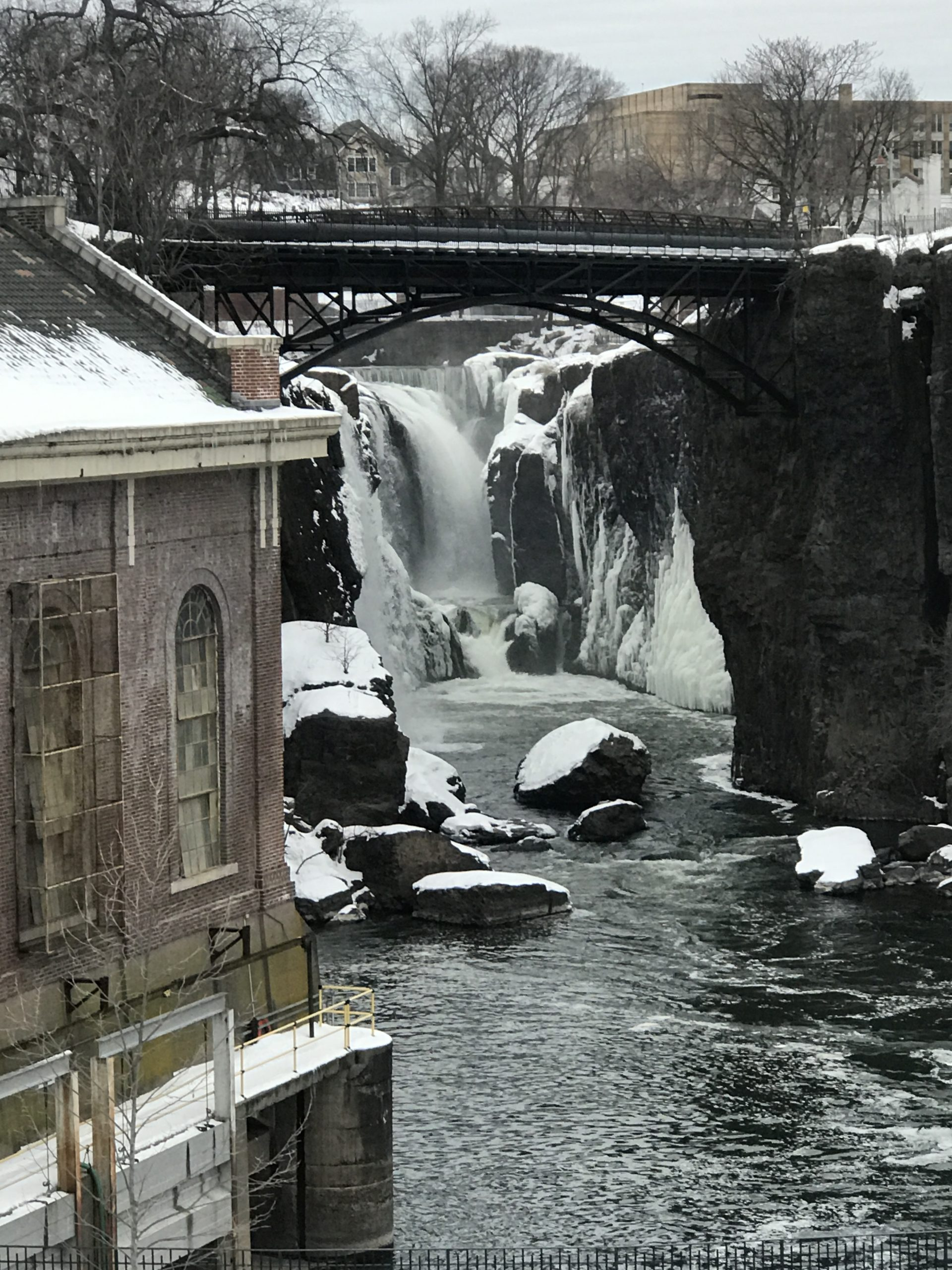 Paterson-Great-Falls-in-the-Winter