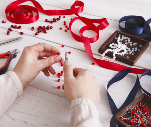 some county parks offer jewelry making classes