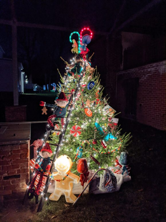 A decorated Christmas tree at Historic Smithville Park