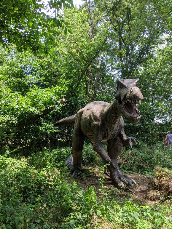 Baryonyx dinosaur at Field Station Dinosaurs in NJ